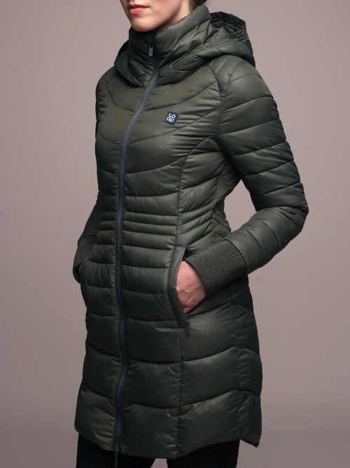 zimní kabát v moderním provedení