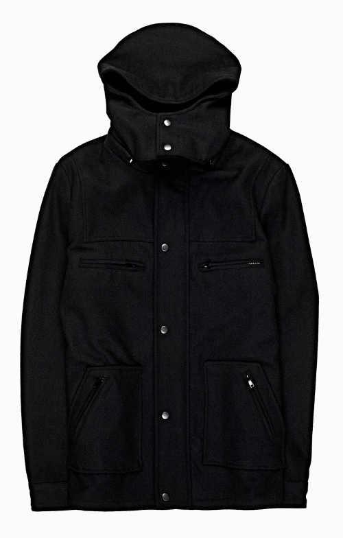 kabát pro muže s praktickou kapucí a dostatkem kapes