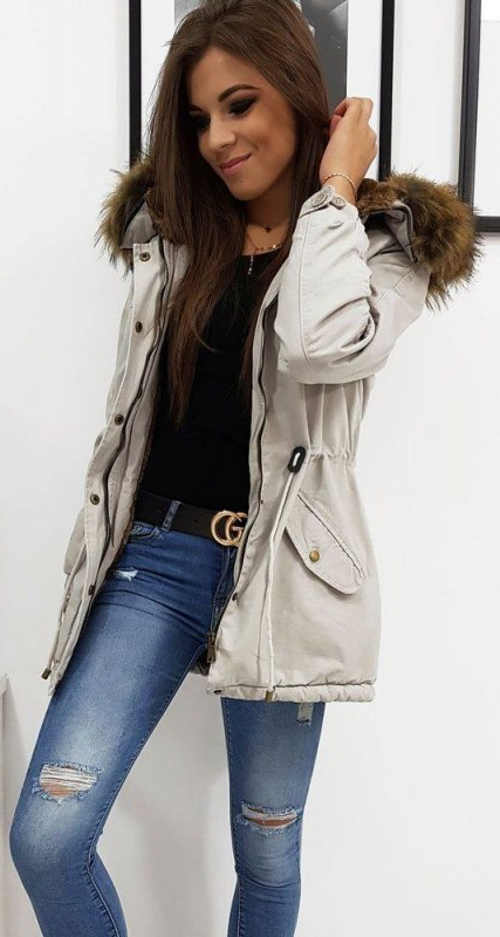 Lehčí dámská zimní bunda s odnímatelným kožíškem na kapuci