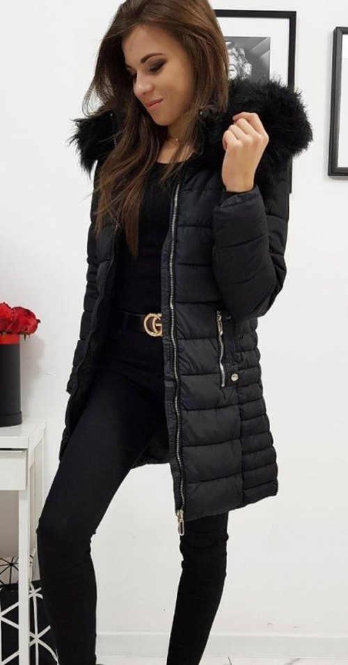 Moderní černá dámská zimní bunda s kožíškem na kapuci