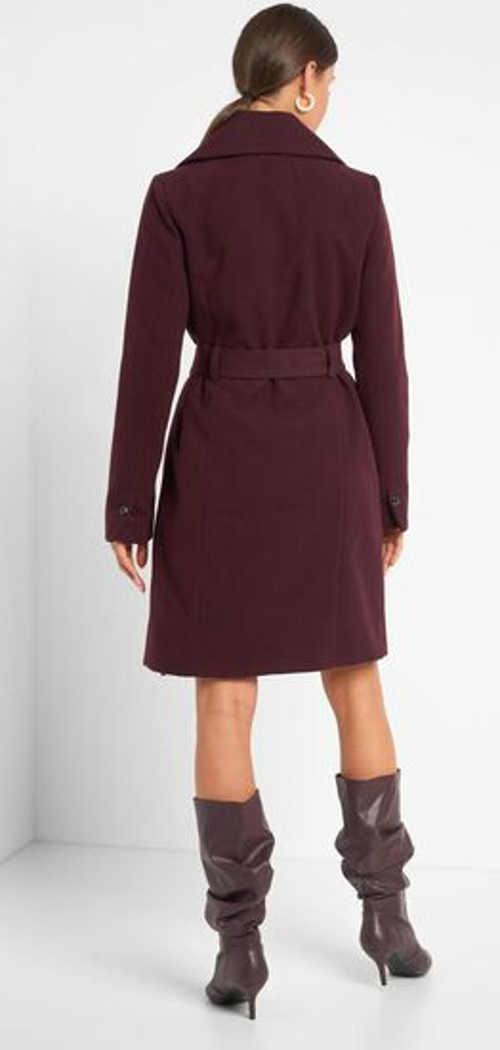 moderní dámský kabát ve vínovém provedení