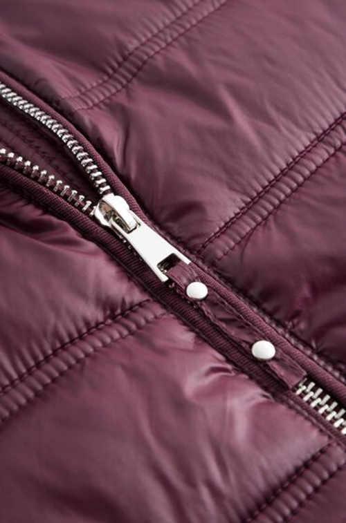 praktická zimní bunda v prodloužené délce