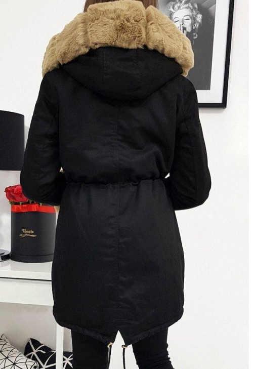stylová zimní parka černá s hnědou hřejivou kožešinou
