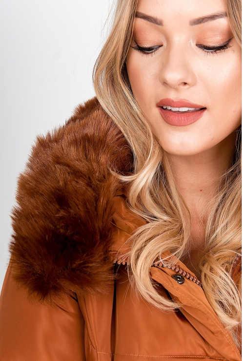 Hřejivá liška na kapuci zimní bundy