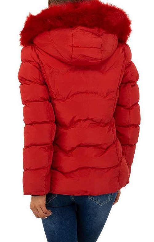 moderní bunda na zimu v červeném provedení