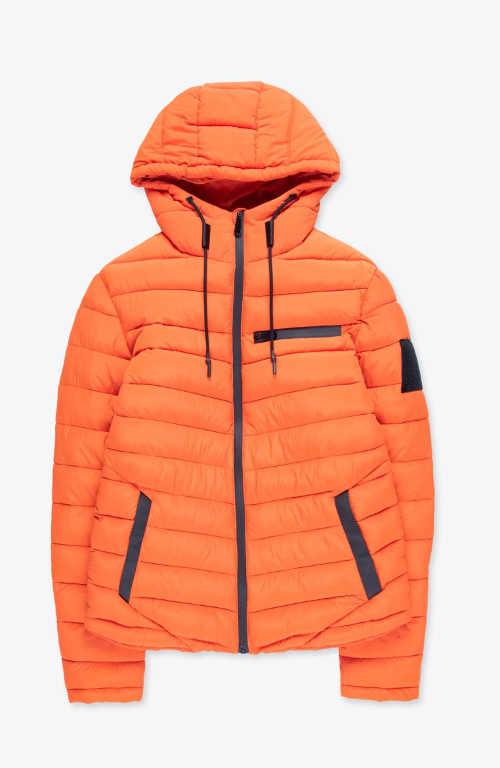 oranžová prošívaná bunda pro moderního muže