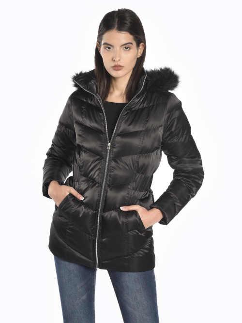 Moderní dámská prošívaná bunda v prodloužené délce