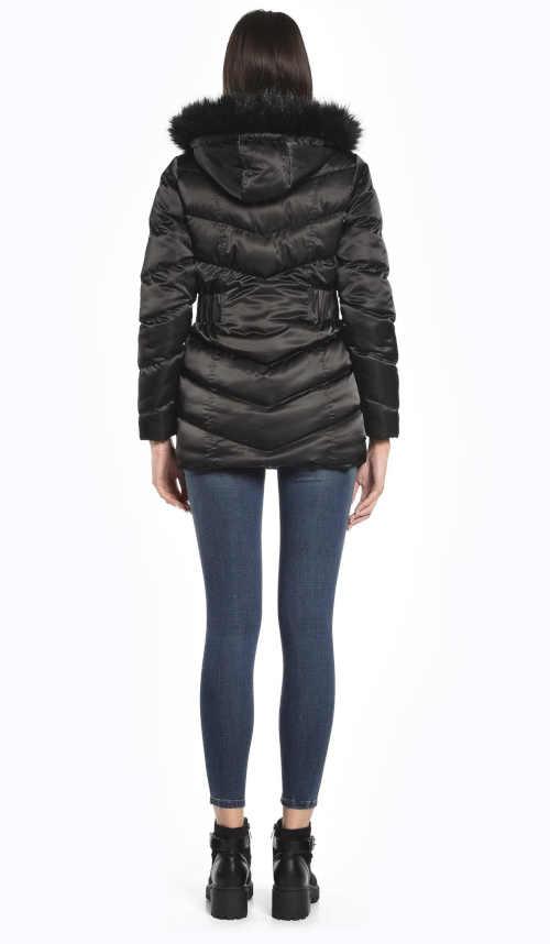 černá dámská delší bunda s kapucí