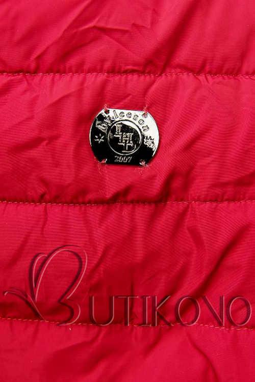 červená prošívaná bunda v prodloužené délce