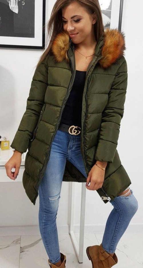 Dlouhá tmavě zelená prošívaná dámská zimní bunda
