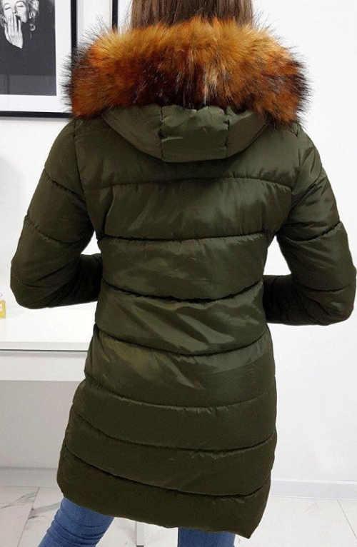 Khaki prošívaná zimní bunda s kožíškem na kapuci