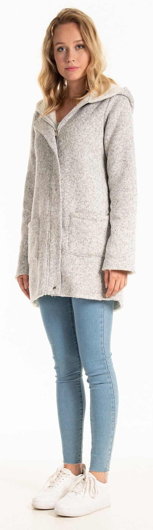 Krátký světle šedý plyšový dámský zimní kabát