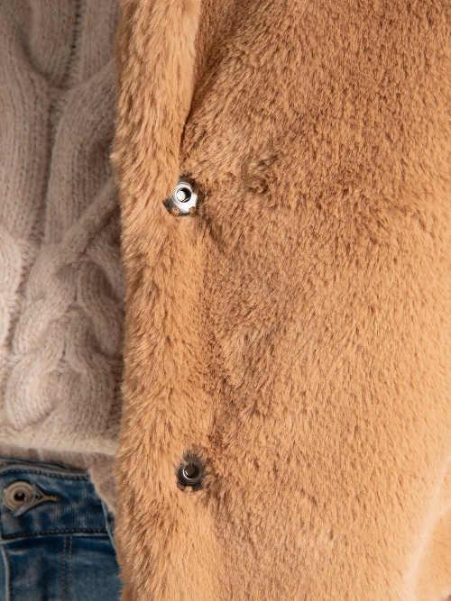 Levný dámský zimní kabát z kvalitní kožešiny