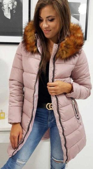 Světle růžová prodloužená dámská zimní bunda s kožíškem