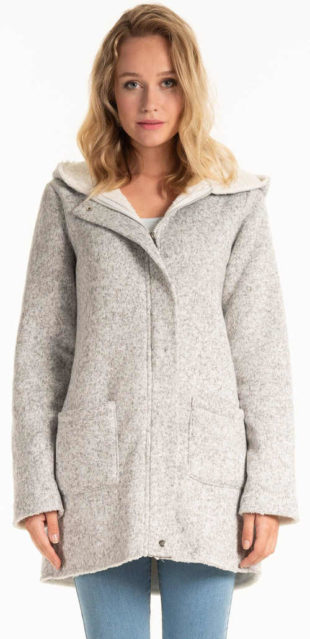 Světle šedý dámský kabát s plyšovou podšívkou a kapucí