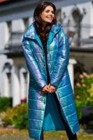 Holografická bunda v působivém světle modrém provedení