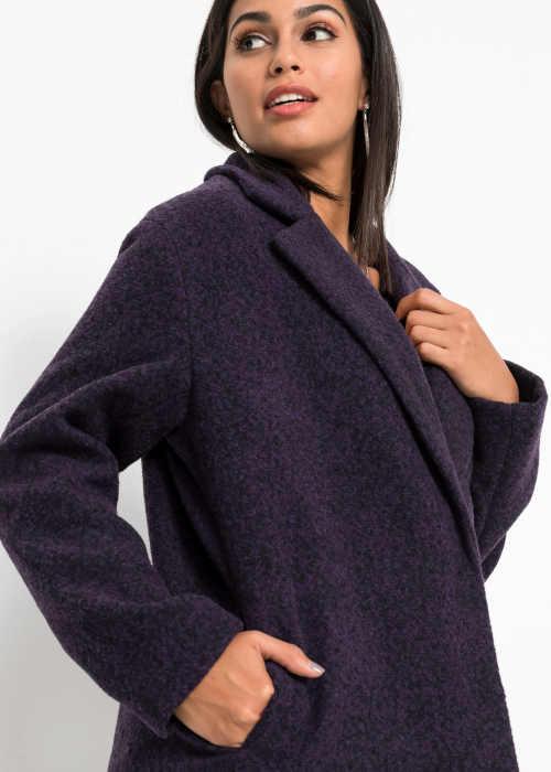 zimní kabát ve fialovém provedení