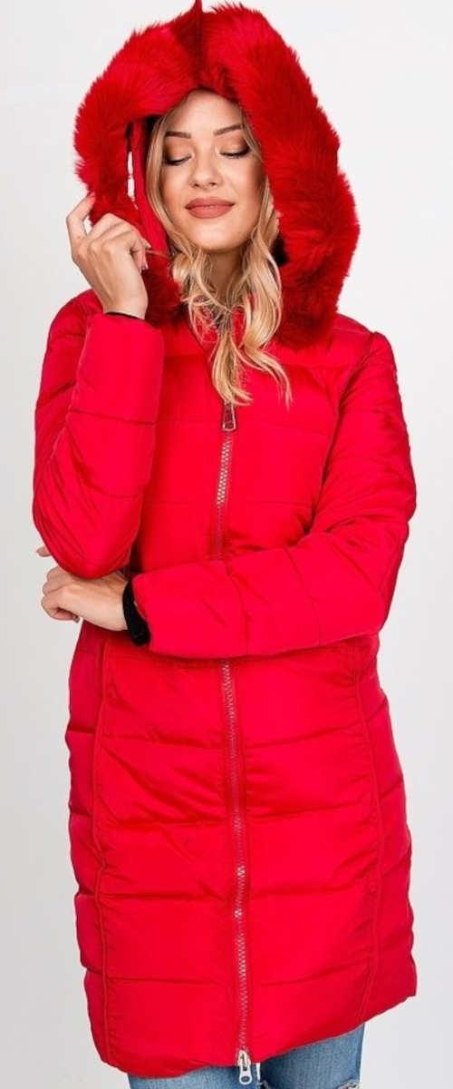 Červená prodloužená prošívaná dámská zimní bunda s kožešinou