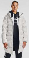 Prodloužená prošívaná bílá dámská zimní bunda s kapucí Under Armour