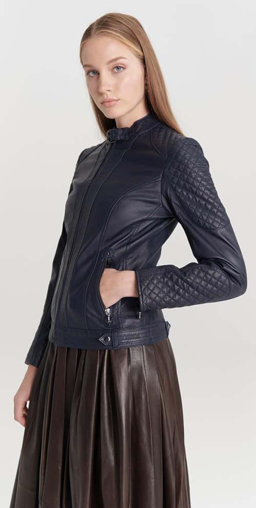 Tmavě modrá dámská kožená bunda s přezkou