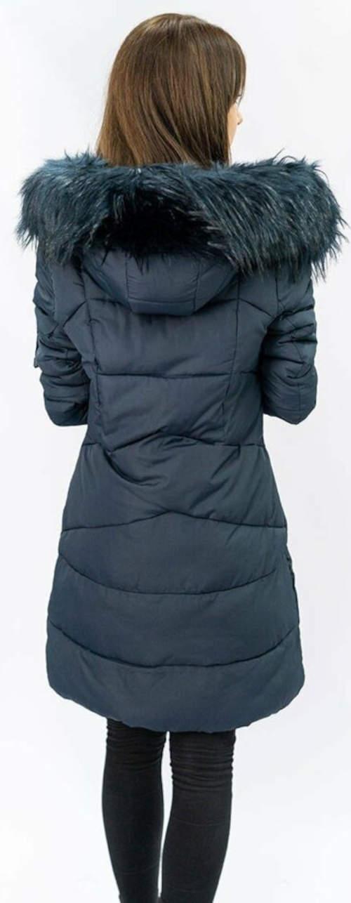 Dlouhý šedý prošívaný dámský zimní kabát