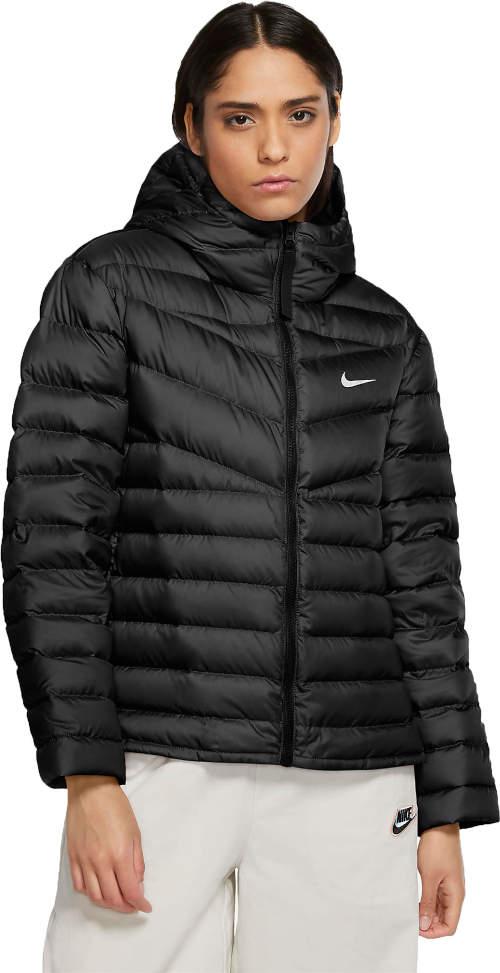 Černá prošívaná dámská zimní bunda Nike