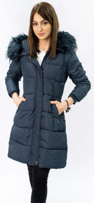 Velmi teplá delší zimní bunda s kapucí a péřovou výplní
