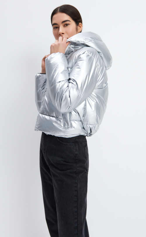 krátká prošívaná bunda stříbrná