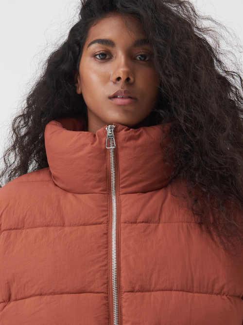 zimní bunda s kapsami