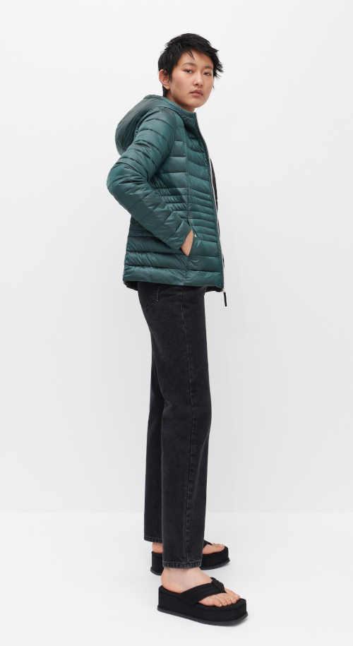 zimní bunda v tyrkysovém provedení