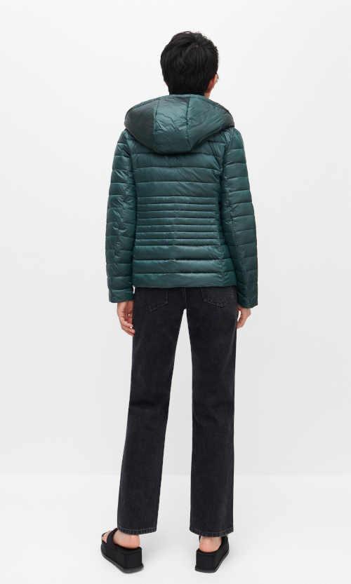 zimní bunda z recyklovaného materiálu