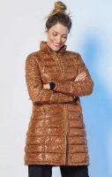 Dlouhá dámská bunda v lesklém provedení s potiskem