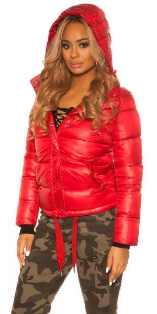 Dámská krátká bunda v prošívaném provedení s kapucí