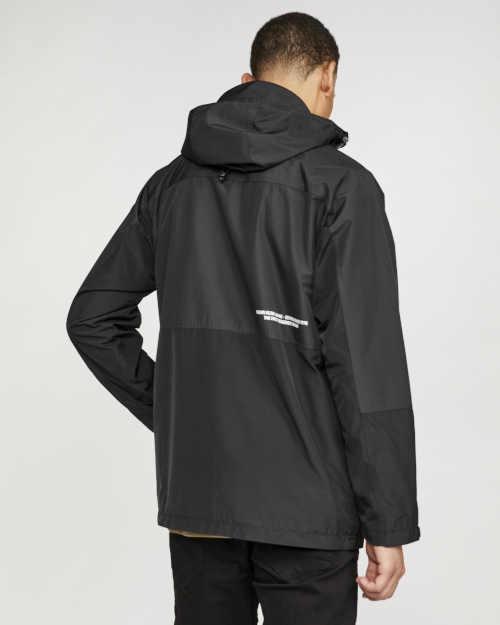černá pánská bunda v moderním stylu