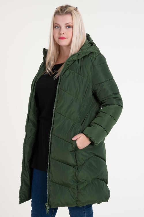 bunda s praktickými kapsami