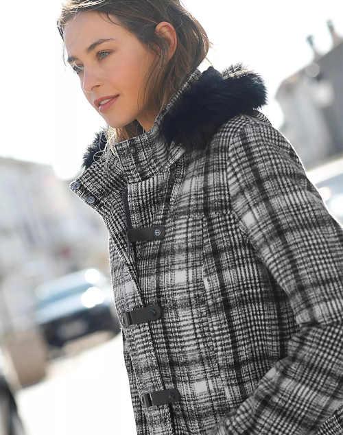 kostkovaný kabát s kapucí