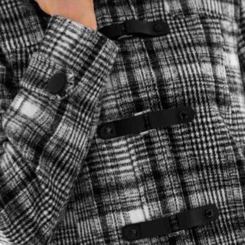 moderní kabát se zdobným zapínáním